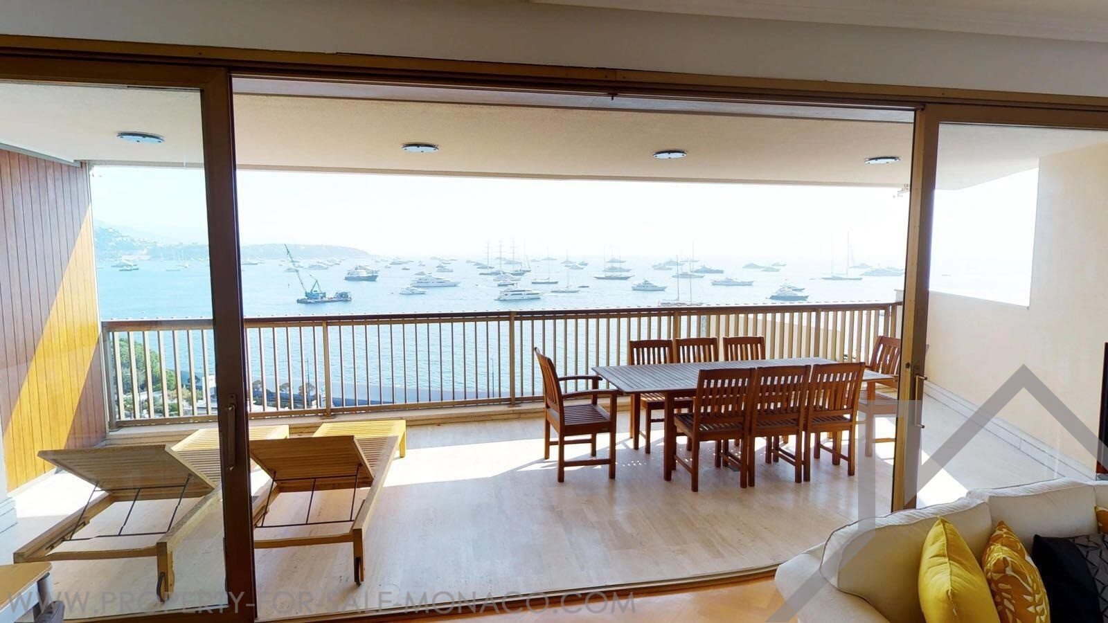 LUXURY BIG 2 BEDROOM- ENTIRELY RENOVATED FACING THE SEA - Properties for sale in Monaco