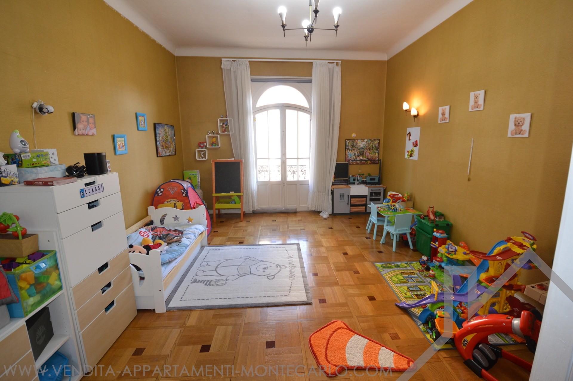monte carlo beautiful spacious apartment properties. Black Bedroom Furniture Sets. Home Design Ideas