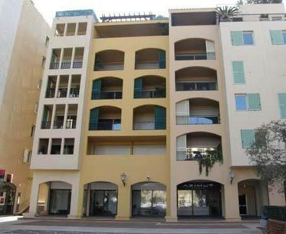 TWO-ROOM APARTMENT MIXED USE RENOVATED - FONTVIEILLE