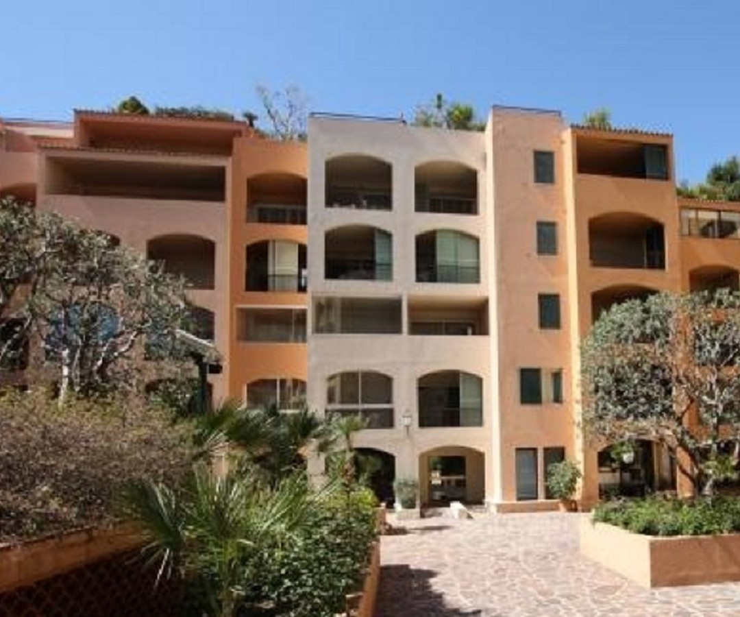 FONTVIEILLE DONATELLO 2 ROOMS MIXED USE WITH CELLAR