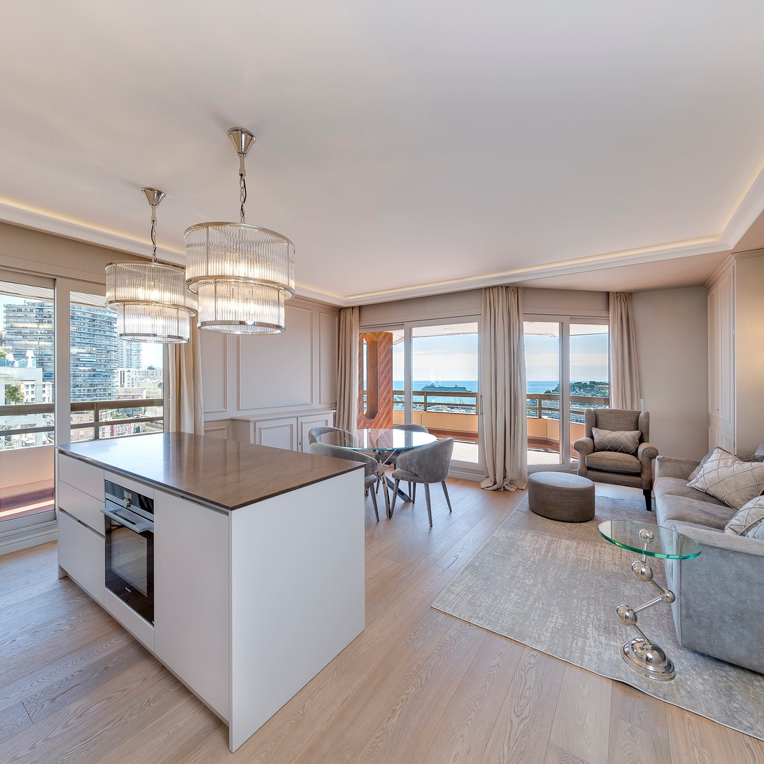 Luxurious 3 bedroom apartment close to the Port